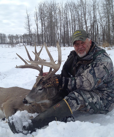 Deer hunting with Johnny Lee at Elkhorn Outfitters